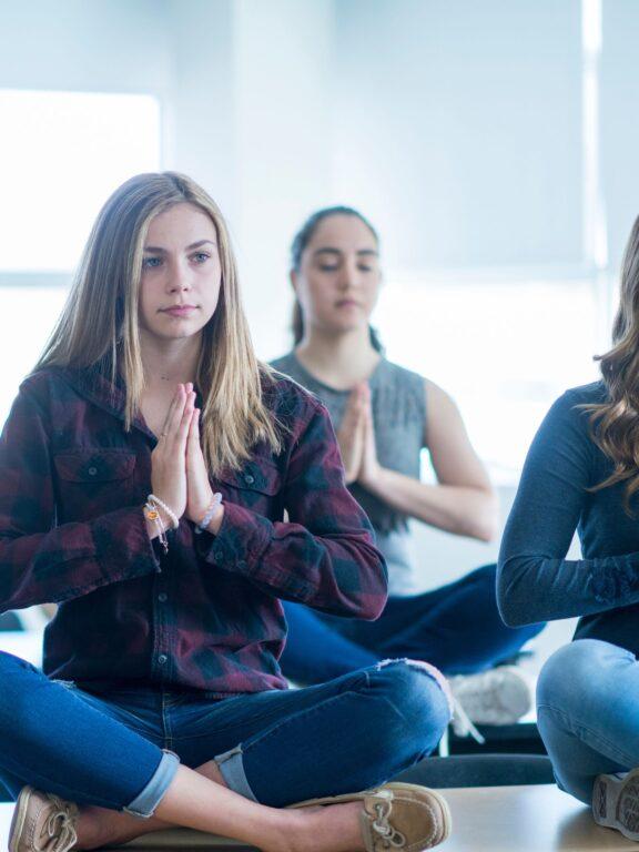 Yogado - Le yoga à l'école